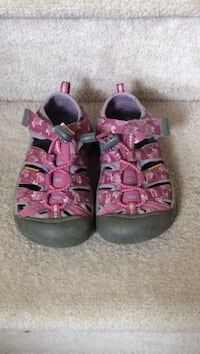 purple-and-gray velcro strap shoes Calgary, T3K 4A1