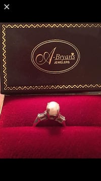 Pearl Ring. Size 7 Lafayette, 70506