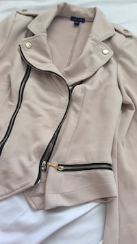 white and black zip-up jacket Winnipeg, R2G 1T9