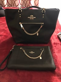 Barely used coach bag set. Comes with dust bag   Gaithersburg, 20879