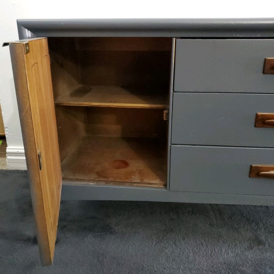 Vintage Emphasis Credenza (local delivery) 03b6823f-ebe1-4876-afbb-632a43a0d527