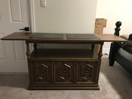 Art shop side table in great condition