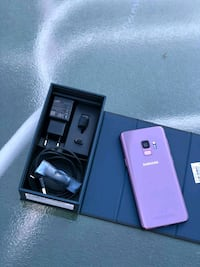 pink Samsung Galaxy S7 edge with box Blainville, J7C 3R7