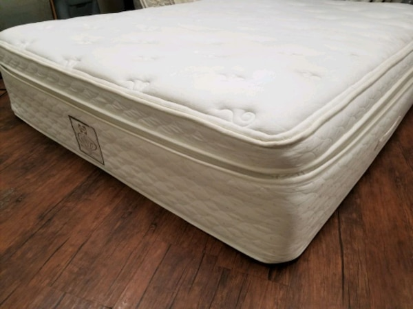 Eurotop Sealy Queen mattress 250 box $30 delivery  f11d571e-f560-4379-95ef-4103bdfe5b79