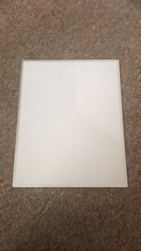 Dry erase whiteboard with 3 markers