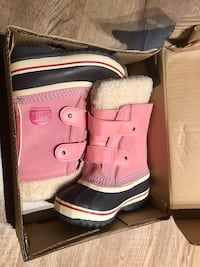 Sorrel Boots Size 9 Toddler  550 km