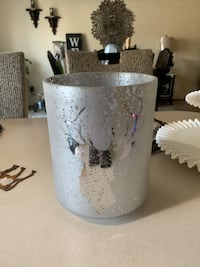 Decorating candle holder