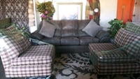 living Room Set Clean Good Condition with Pillows and Couch and 2Chair Las Vegas, 89121