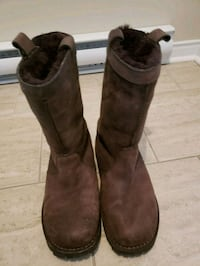 Uggs boots  724 km