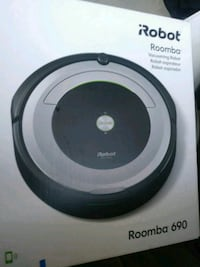 iRobot Roomba 690 smart vacuum brand new