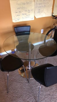 Glass Table  and  chairs District Heights, 20747