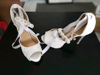 New White open toe shoe w/ glittery heels Size 8 Oakville, L6H 3H2