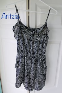 Aritzia Talula summer dress black with white pattern New Westminster, V3M