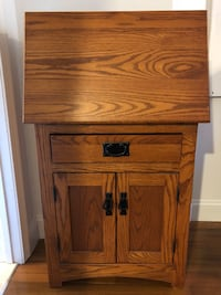Wood secretary desk Alexandria, 22302