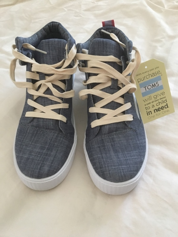 d96a816765ed17 Μεταχειρισμένο TOMS high top shoes BRAND NEW size 9.5 προς πώληση σε ...