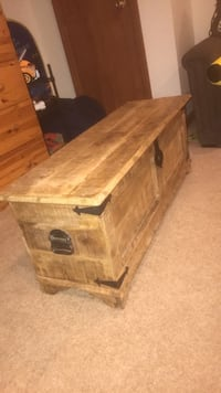 Wooden table chest Greenbelt, 20770