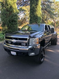 2010 - Chevrolet - Silverado 3500 HD  - DUALLY - Smog Cert on Hand  Los Angeles, 91344