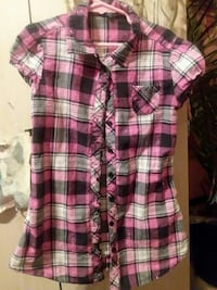 pink, black, and white plaid button-up cap-sleeved blouse Bellport, 11713