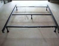 Urgent sale single to double size convertible bed frame Brossard, J4Z 1B5