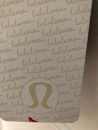 Lululemon  New - Tags On - Sz 6 Smith-Ennismore-Lakefield, K0L