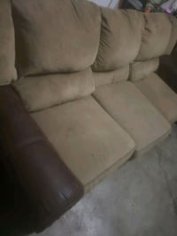 Couches Anchorage, 99504