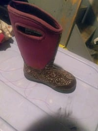 pair of brown leather cowboy boots St. Catharines, L2W 1B6