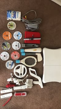 Wii with many accessories and games