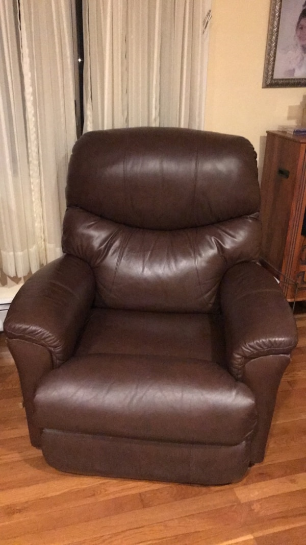 Used Brown Leather Recliner Sofa Chair For Sale In Bethpage Letgo
