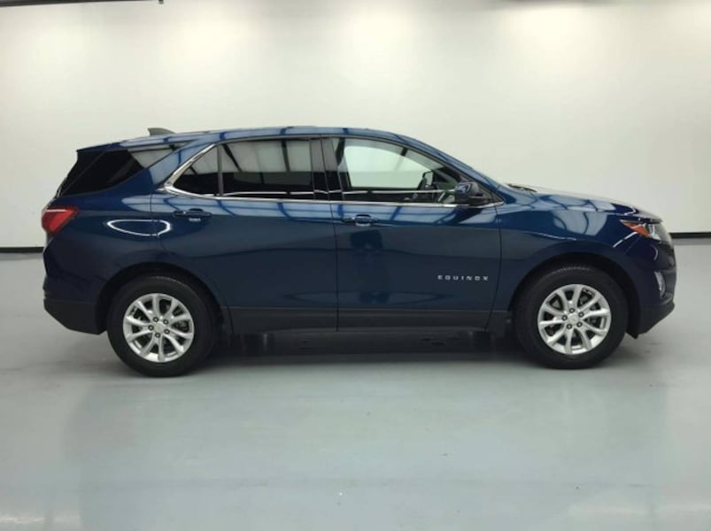 2019 Chevy Chevrolet Equinox Pacific Blue Metallic hatchback 4