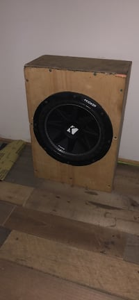 10 inch kicker with custom slim box for s10 or small truck I had behind seat  Adairsville, 30103
