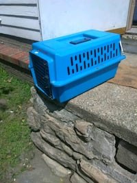 Pet carrier small Akron, 44305