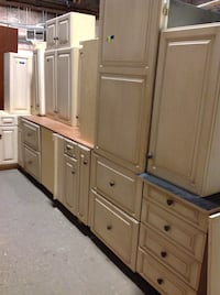 Cabinet set with appliances