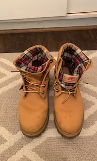 Timberlands size 8.5 Falls Church, 22043