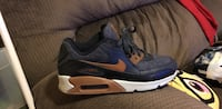 unpaired blue and brown Nike Air Max 90 shoe Boston, 02124