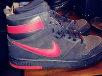 pair of black-and-red Nike basketball shoes Yakima, 98902