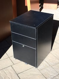 Black wooden 3-drawer chest on wheels Montréal, H2G