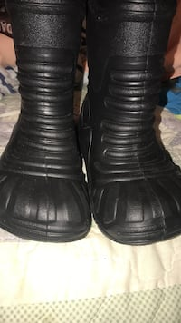 pair of black leather shoes Scottsboro, 35768