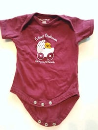 HARVARD red and white onesie 0-3 months Toronto, M5A 3R3