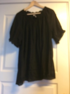 black 3/4 sleeve shirt