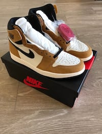 SZ.11............Air jordan retro 1 rookie of the year 40 km