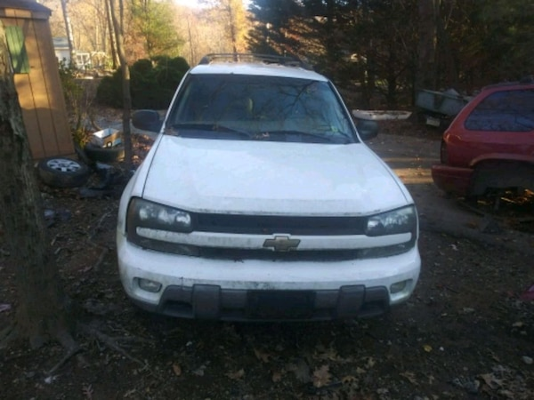 Parting out 03 Chevy trailblazer