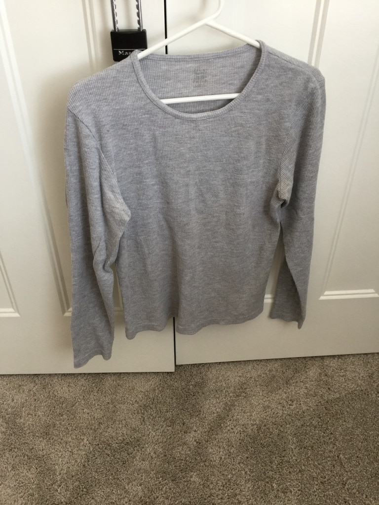heather gray scoop neck long sleeved T-shirt