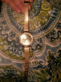 round gold-colored analog watch with link bracelet Ringgold, 30736