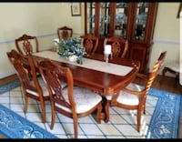 Dinning room table with 8 chairs  Woodbridge, 22191