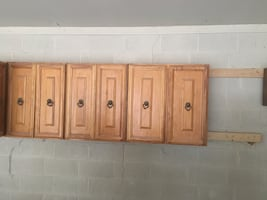 Maple kitchen cabinets (total 8 cabinets)