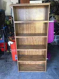 Wooden 5-layer shelves bookcase. 30 1/2 x 12 1/2 x 68 1/2