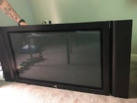 Tv with speakers on the side
