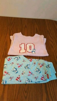 Girls PJ size 10-12... porch pick up in Mounds View Mounds View, 55112