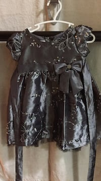 black and gray floral long-sleeved dress Burnaby, V3N 4Z3