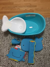 Baby bathtub and bathing accessories  Vaughan, L4L 3V7